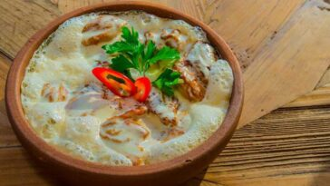Грузинское блюдо из курицы чкмерули